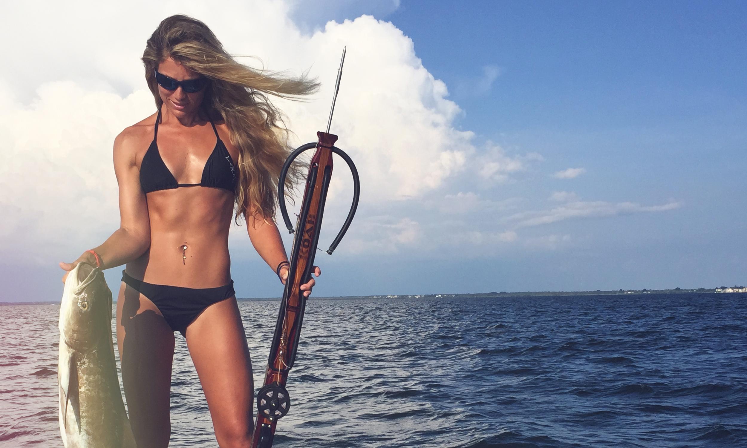 Bikini Fishing Videos photo 11