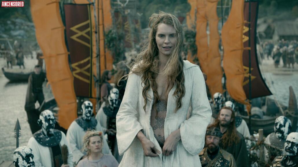 Naked Viking Girls photo 13