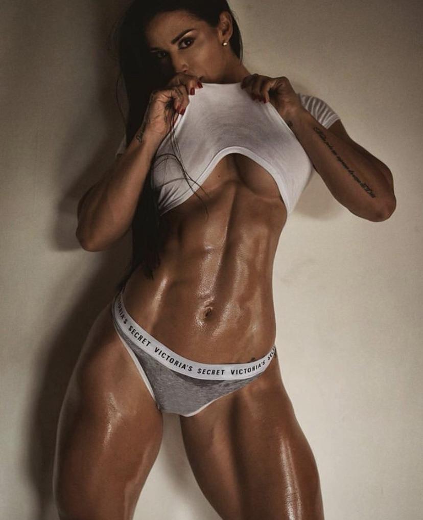 Ana Cozar Topless photo 18