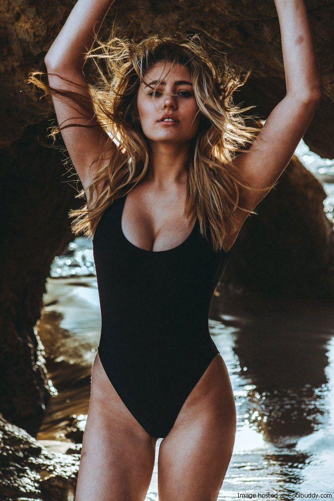 Lia Marie Johnson Hot Pics photo 17