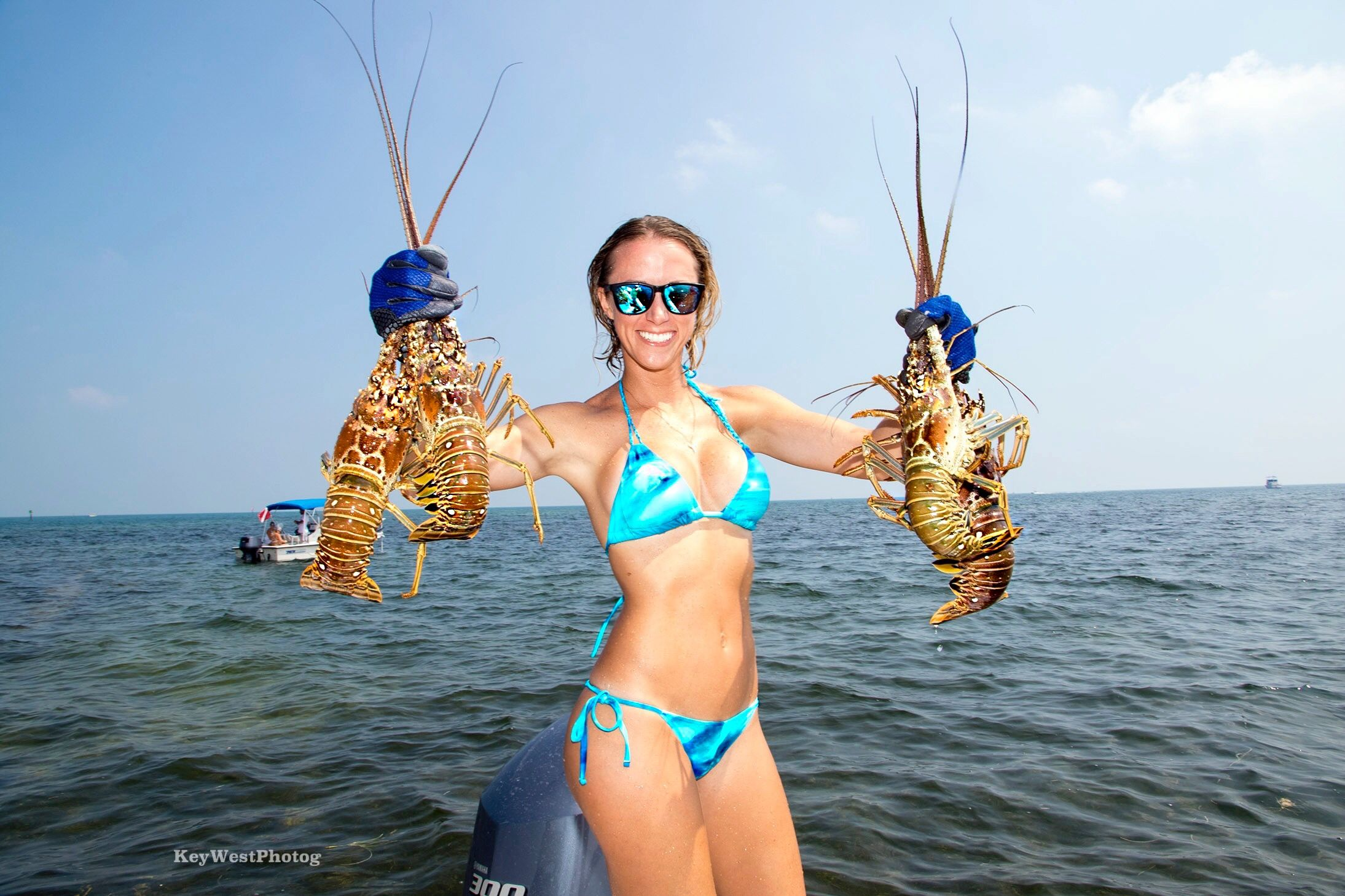 Bikini Fishing Videos photo 5