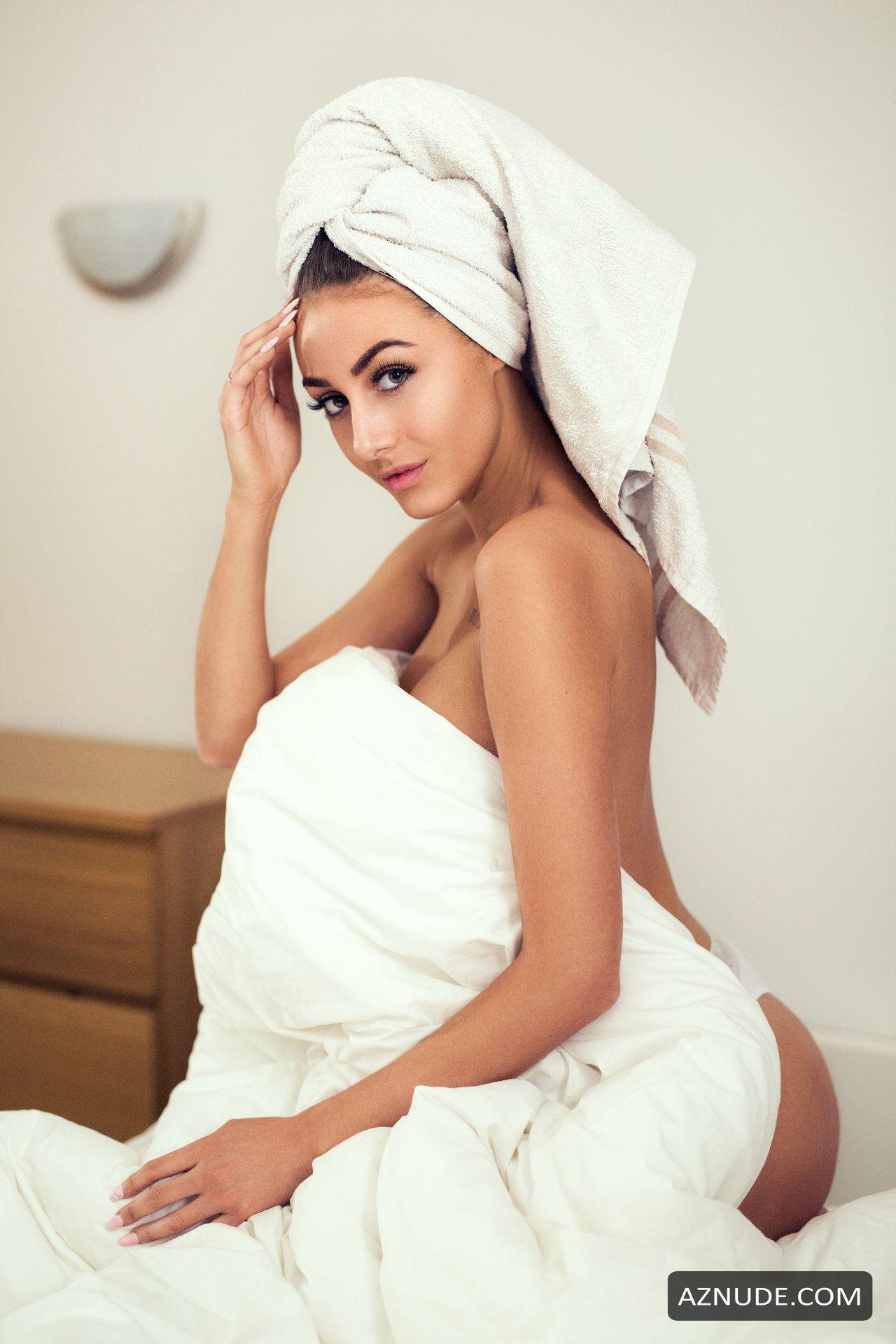 Chloe Veitch Nude photo 7