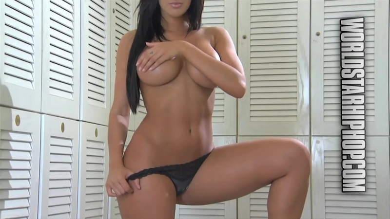 Claudia Sampedro Tits photo 19