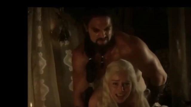 Emilia Clarke Naked Video photo 20
