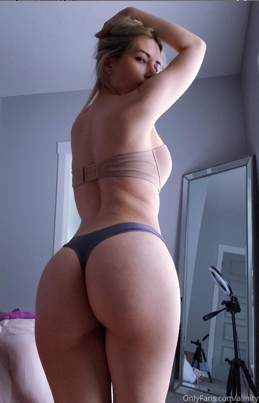 Moonstreuxx Snapchat Nude photo 14