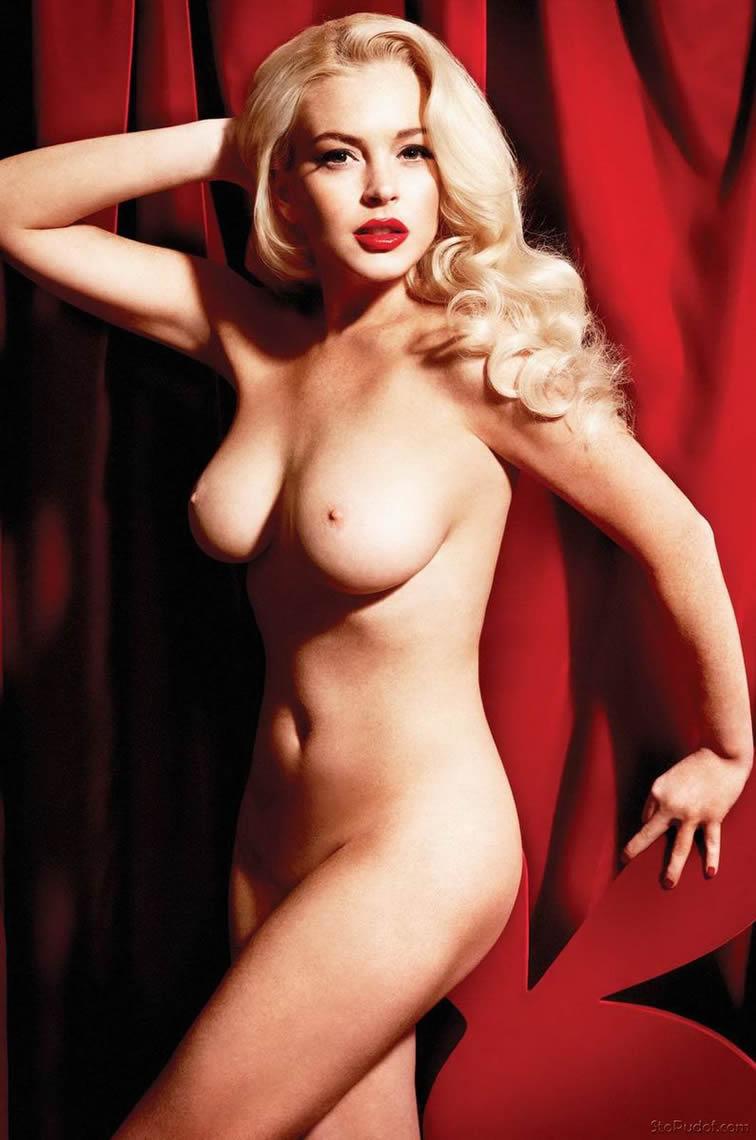Naked Lindsy Lohan photo 11